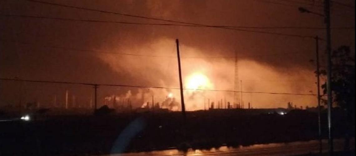 Resultado de imagen para incendio en Amuay y Cardón