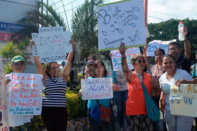 Habitantes de Cabudare protestan tras 15 días sin agua - La Prensa de Lara