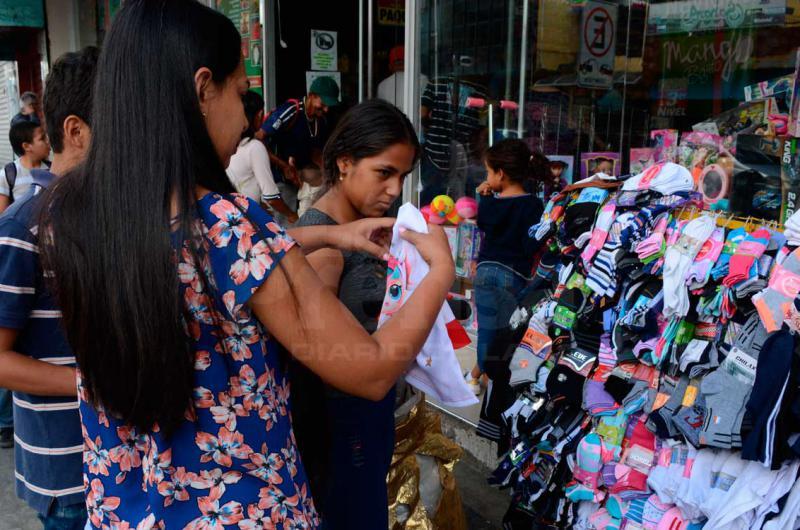 Mercancía se queda fría en el centro de Barquisimeto - La Prensa de Lara